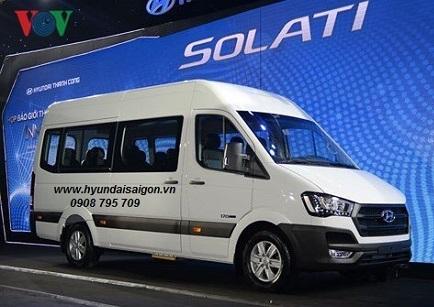 Xe 10 chổ ngồi cao cấp Hyundai Solati Limousnie