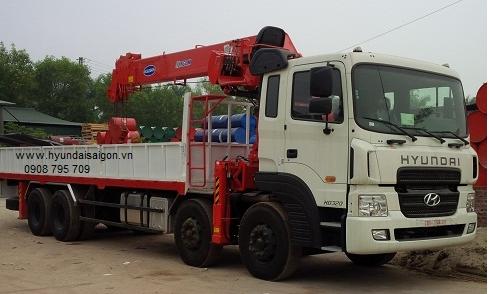 Xe tải cẩu 12 tấn 4 chân Hyundai HD320