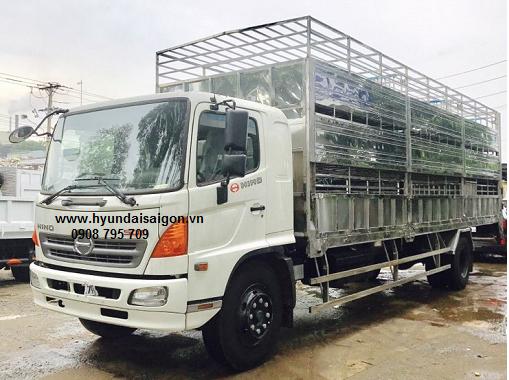 Xe tải Hino FG 8 tấn thùng 3 tầng chở heo gắn...