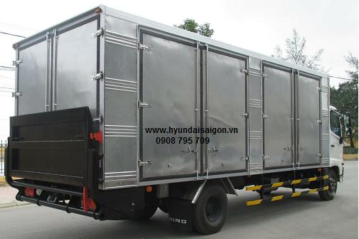 Xe tải Hino FG 8 tấn thùng kín bững nâng
